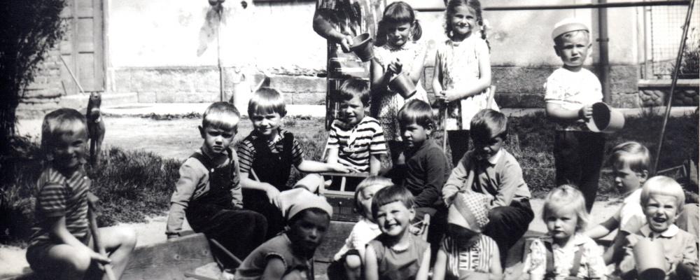 1968  školka105.jpg