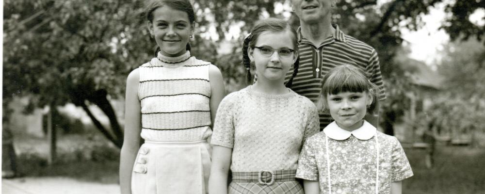 1972 30týčerven,pátý školní rok,Josef Lejsek ředitel školy114.jpg