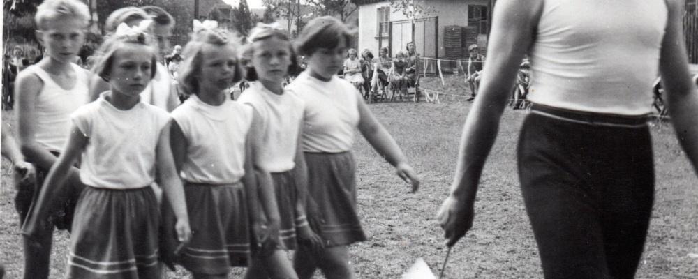 rok 1960 nácvik na spartakiádu    075.jpg