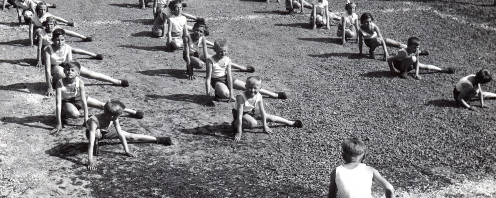 rok 1960 nácvik na spartakiádu    078.jpg